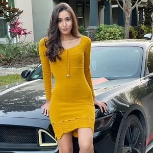 NWT long sleeves yellow Dress,